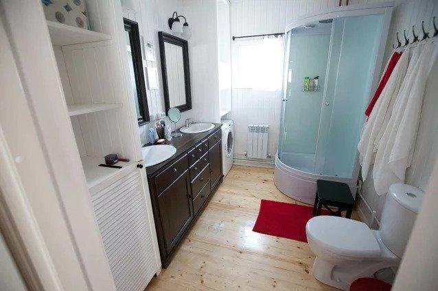 Уличный туалет с унитазом и летний душ с горячей водой. Обзор всех санузлов на моей даче