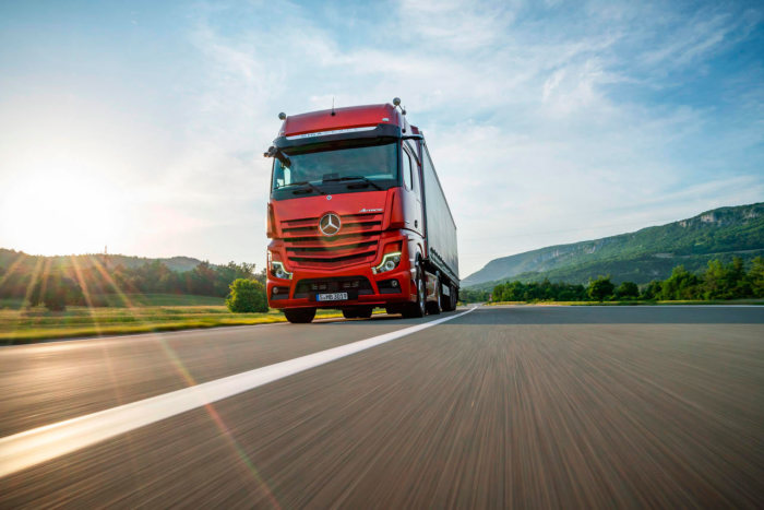 Почему в грузовиках Mercedes планируют отказаться от зеркал