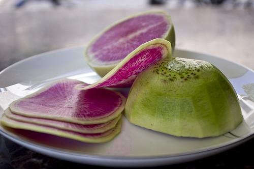 Арбузная редиска еда, овощи, факты, фрукты, экзотические овощи и фрукты