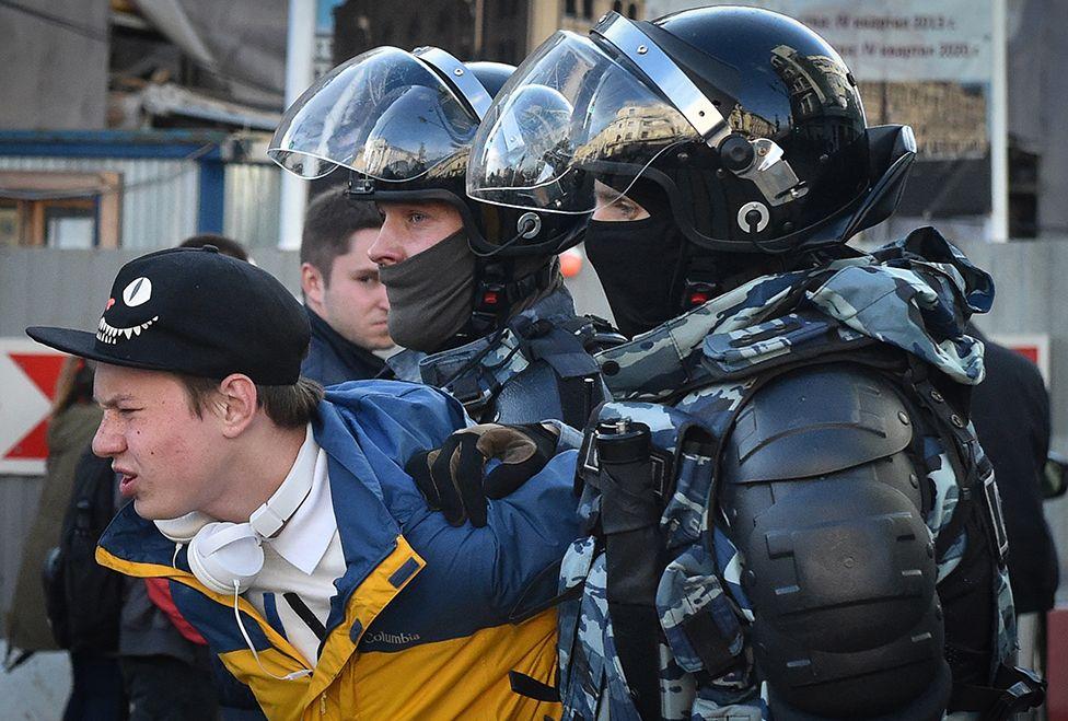 Московские протесты ведут Россию к либеральной анархии