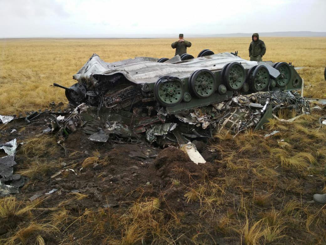 """На учениях """"Центр-2019""""российские десантники чрезвычайно успешно отбомбились боевыми машинами"""
