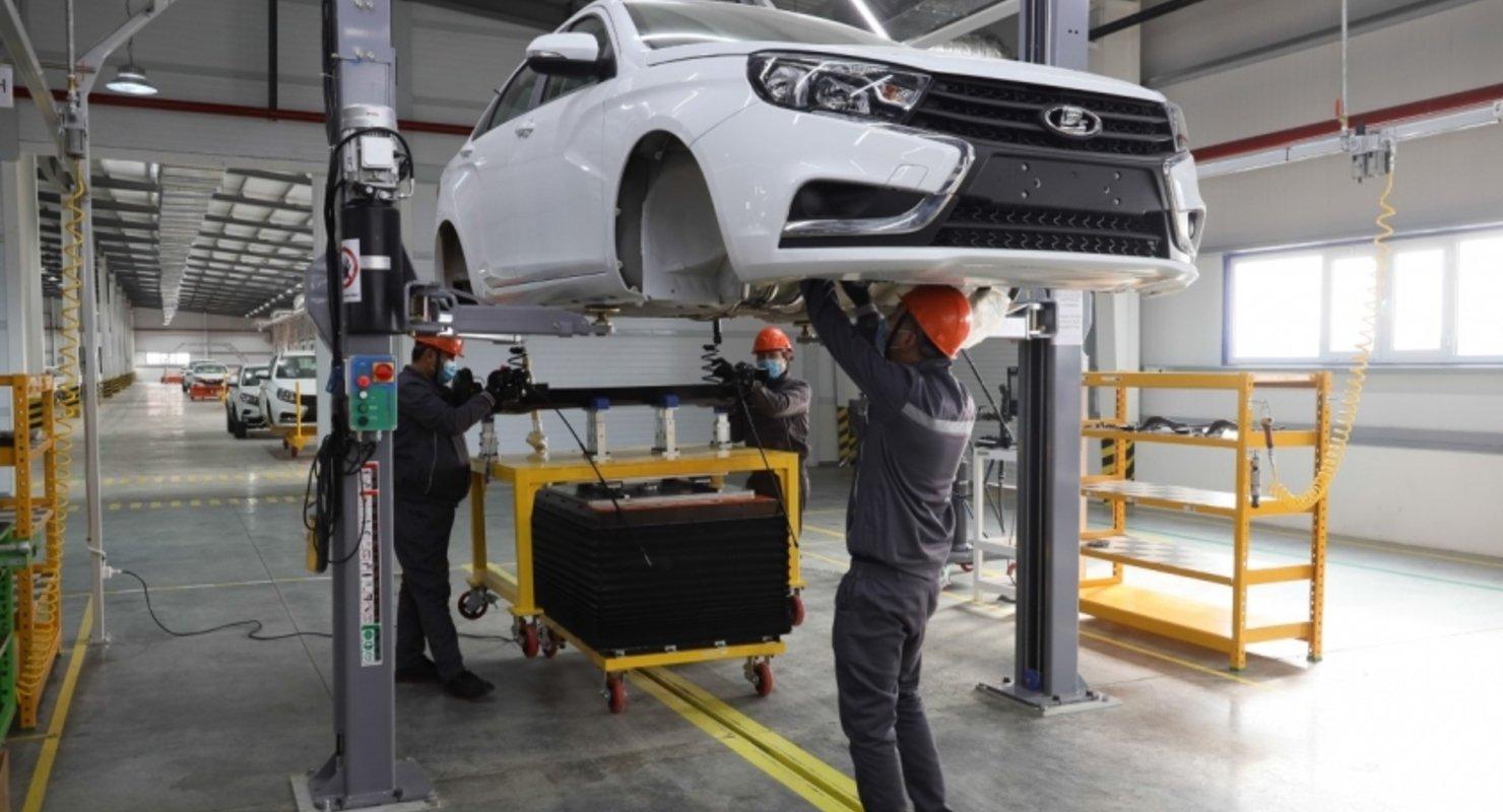 АвтоВАЗ объявил о начале серийной сборки автомобилей Lada в Узбекистане Автомобили