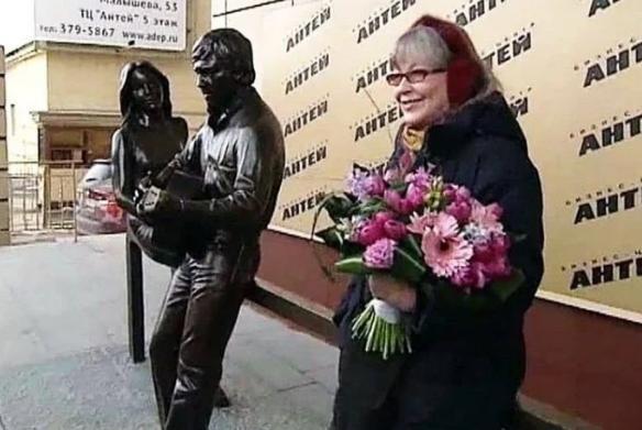 Как сегодня выглядит 82-летняя муза Высоцкого Марина Влади Влади, Марина, актриса, Владимира, интервью, жизни, весьма, Франции, жизнь, выглядит, возраст, менее, удаётся, позволила, набрать, лишнего, вероятно, пандемии, коронавируса, вынужденной