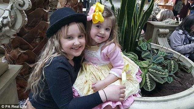 «Никакие извращенцы на нее там не пялятся»: мама рассказывает, что ее 3-летняя дочь просто помешана на конкурсах красоты