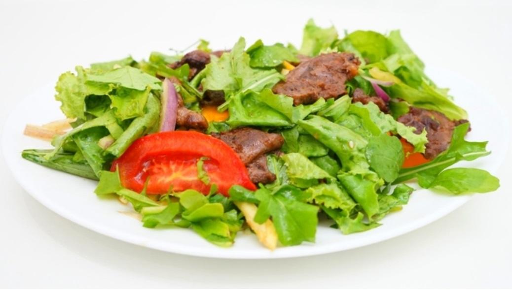 Мясной салат без майонеза