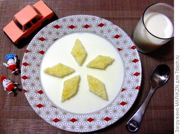 """Молочный суп для внука """"Кораблики"""""""