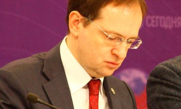 Мединский прокомментировал выдачу прокатного удостоверения комедии о блокадном Лениграде