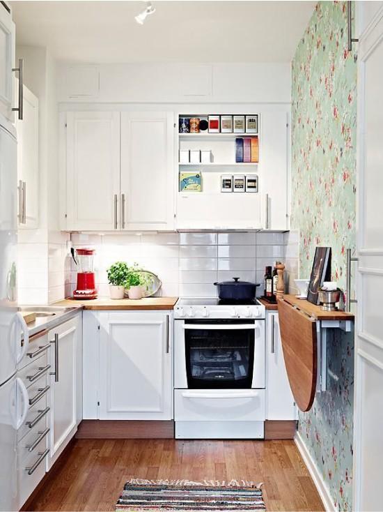 Откидной столик на маленькой кухне
