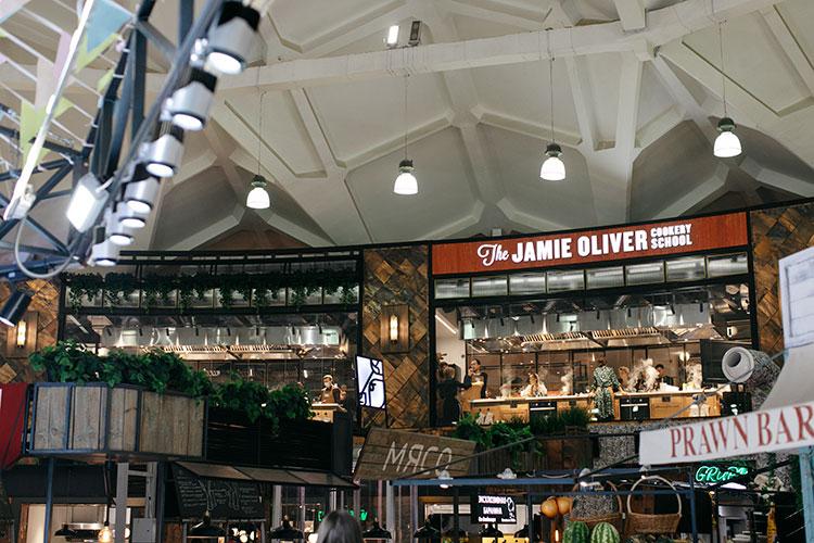 По рецепту Джейми Оливера: овощной салат с сыром фета, который понравится абсолютно всем Стиль жизни,Еда и рецепты