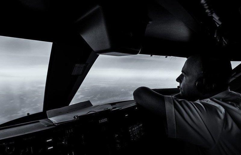 Автопортрет пилота вид из кабины пилота, красиво, летчик, небо над нами, путешествия над Землей, фото из самолета, фотограф, фотографии