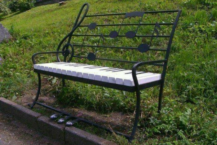 Музыкальная скамейка в мире, в парке, красота, креатив, лавочка, скамейка, удобство, фантазия