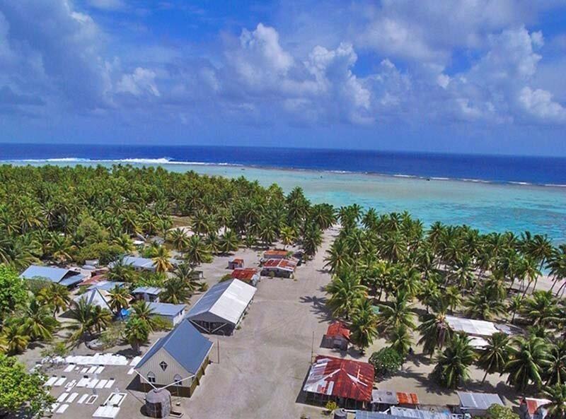 В городе, расположенном посреди Тихого океана, проживает 62 человека, которые являются потомками одного мужчины жизнь, интересно, люди, остров, факты