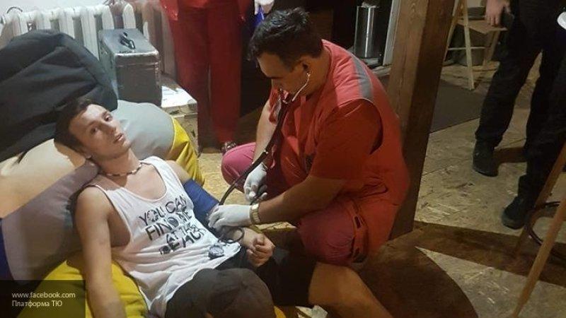 В Мариуполе неизвестные в масках избили музыкантов и художников, пострадали десять человек
