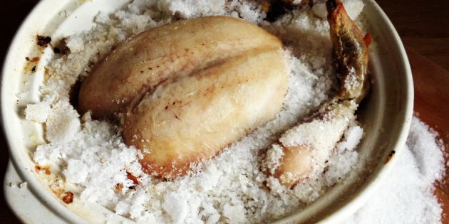 утка в духовке на соли