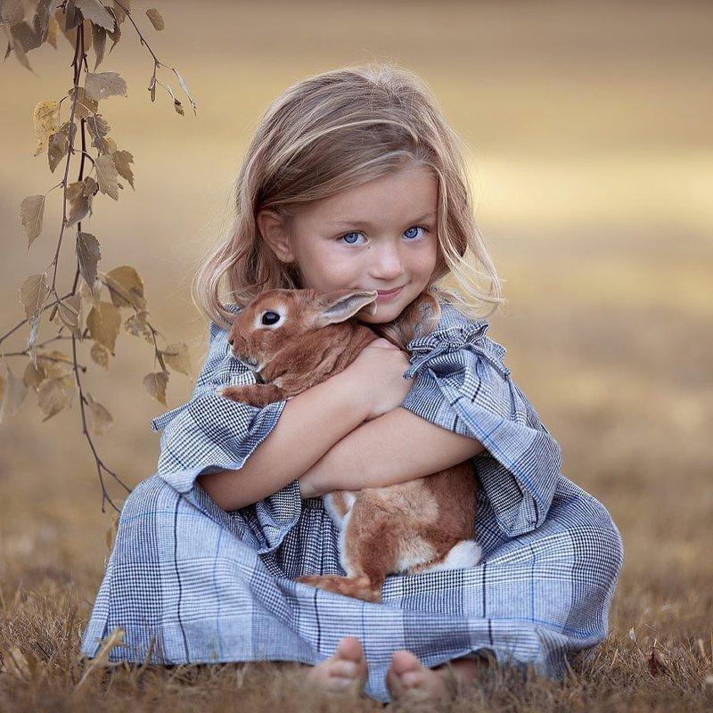 Безграничная нежность и счастье в фотографиях детей и животных