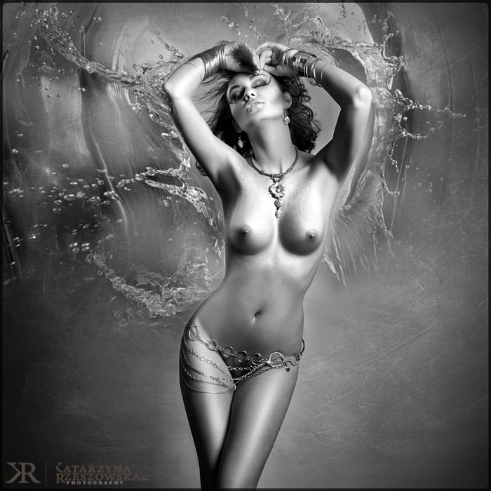 Стильная эротика в изысканных работах польской фотохудожницы.