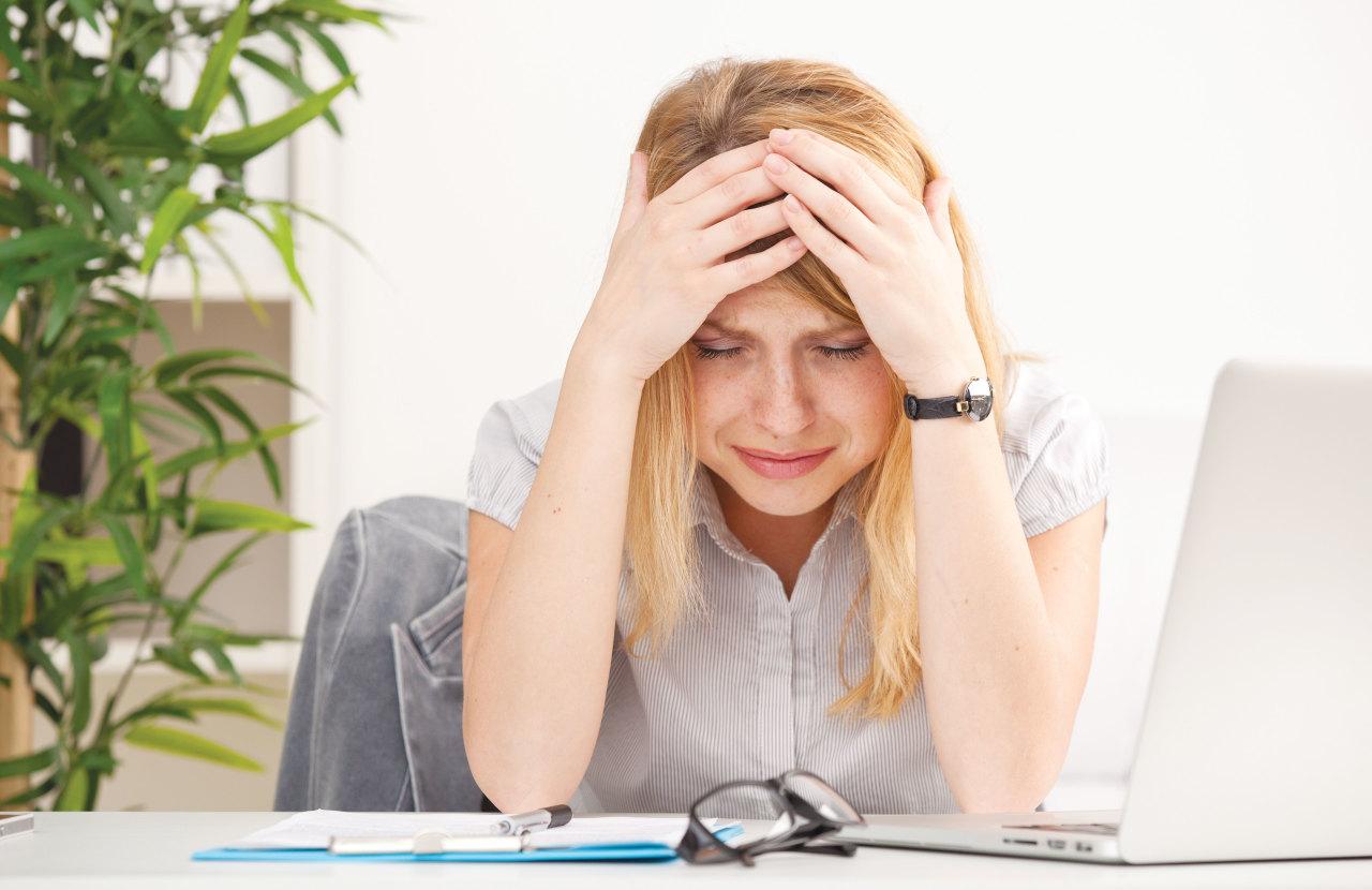 А Вы бы спрашивали у мужа разрешение уволиться с работы?