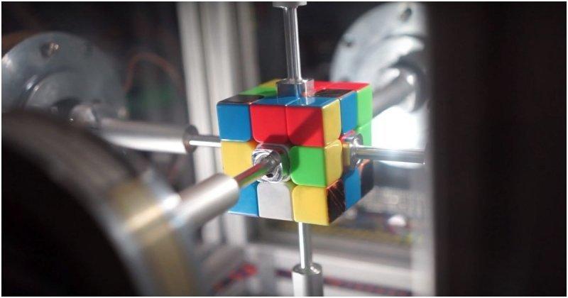 Робот установил новый мировой рекорд по сборке кубика Рубика ynews, видео, кубик рубика, мировой рекорд, рекорд, робот, робототехника