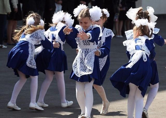 Вот в такой форме идут в школу первоклашки Ульяновска.) Нравится?