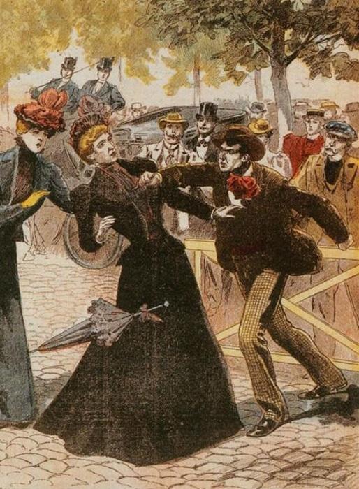 Елизавета была не первой монаршей особой женского пола, на которую напали с ножом.