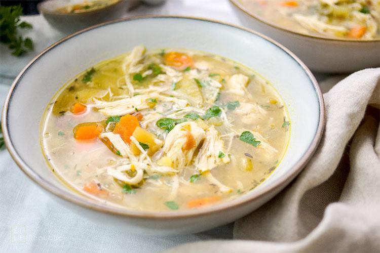 Пряный согревающий суп из курицы без затрат. Делаем из голеней и обходимся без лапши первые блюда,супы