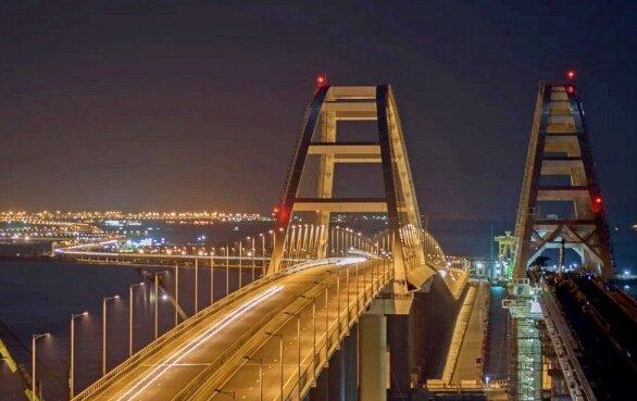 На Украине вновь заявили о том, что Крымский мост бутафорский