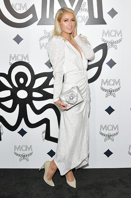 """Пэрис Хилтон заявила, что никогда не прибегала к """"уколам красоты"""": """"Я натуральна на 100%"""" Новости красоты"""