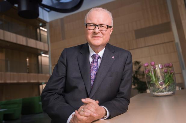 Немецкий министр финансов покончил с собой из-за