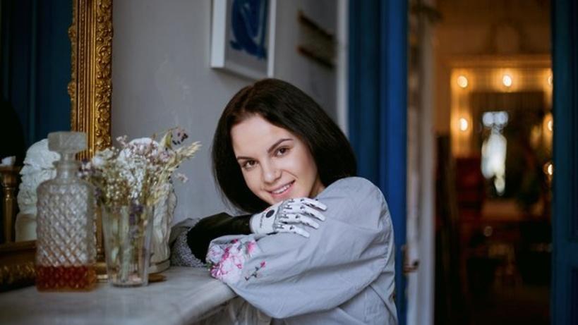 Девушка из Серпухова, которой муж отрубил руки, впервые встретилась с ним после трагедии