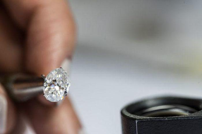 Случайно купленный по дешевке бриллиант.