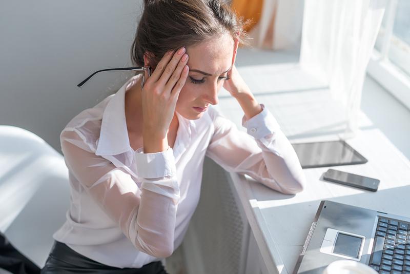 7 факторов, которые вызывают раздражающую головную боль.