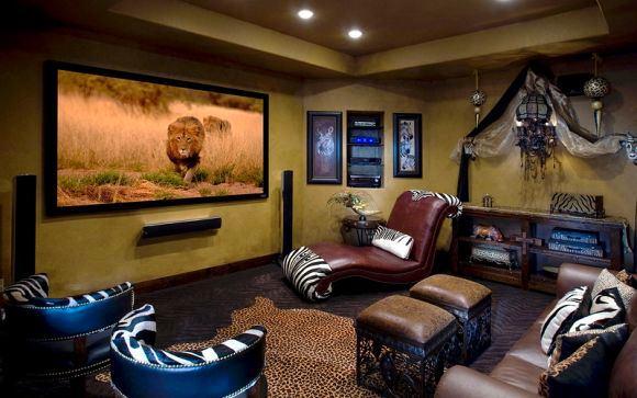Домашний кинотеатр в цветах: черный, белый, темно-коричневый, коричневый, бежевый. Домашний кинотеатр в стилях: этника.