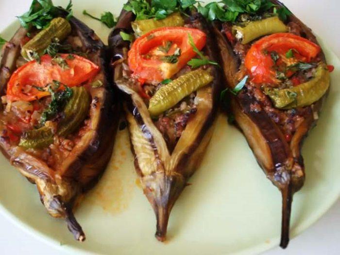Баклажаны запеченные в духовке с мясом по-турецки — гениально просто и вкусно!