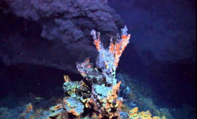 Черные курильщики: другой мир, который находится на дне океана