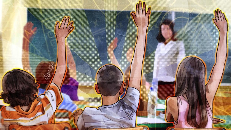 Счетная палата предложила ежегодные выплаты российским семьям для подготовки детей к школе Общество