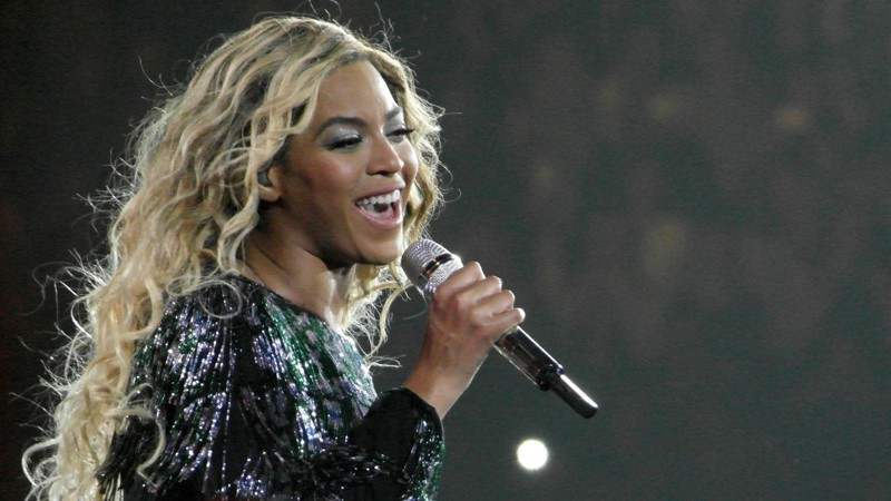 20 знаменитостей, которым запрещали въезд в разные страны