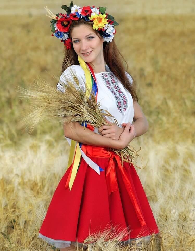 сих фото украинок в национальных костюмах играх