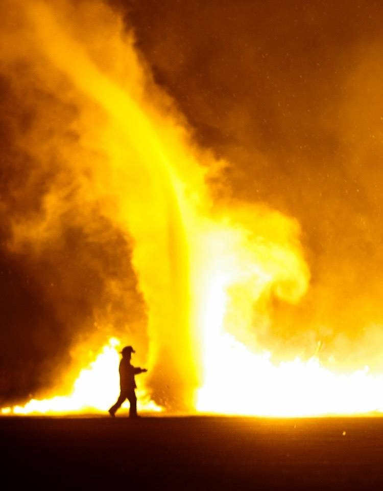 которого картинки огненного вихря снимках