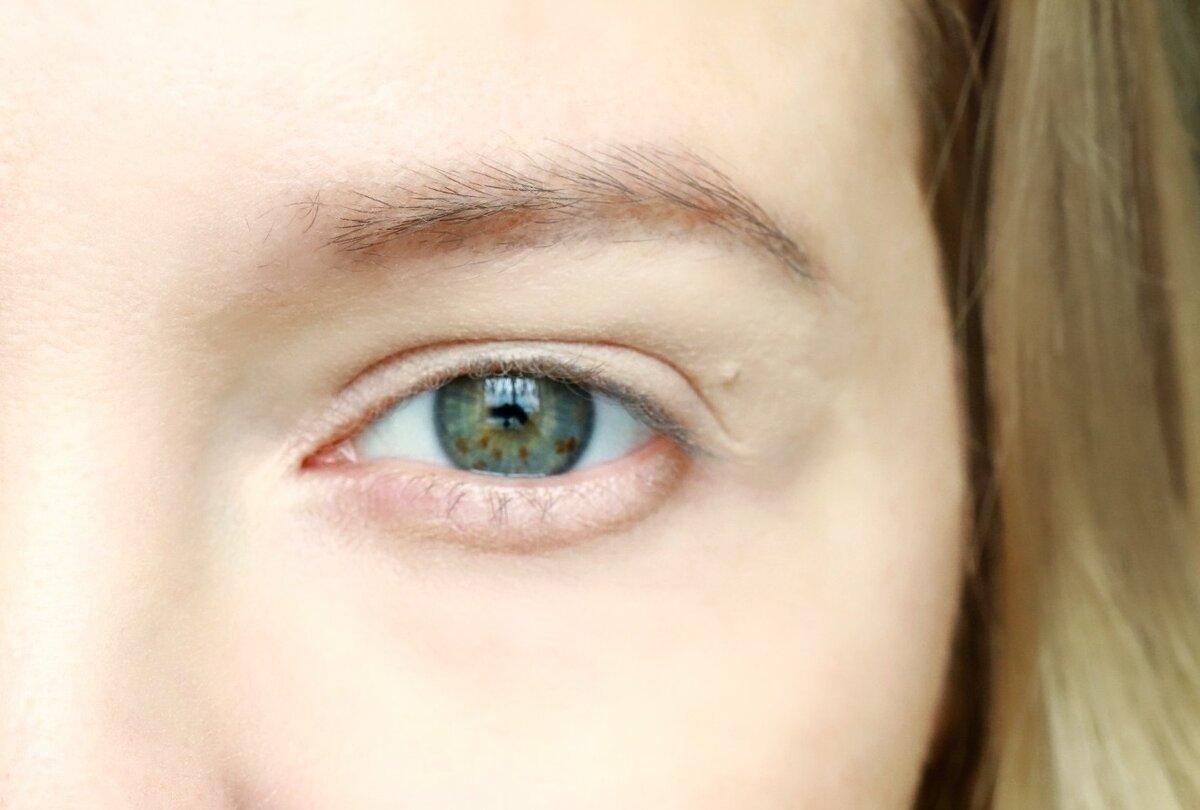 Ошибка в макияже, которая делает глаза усталыми