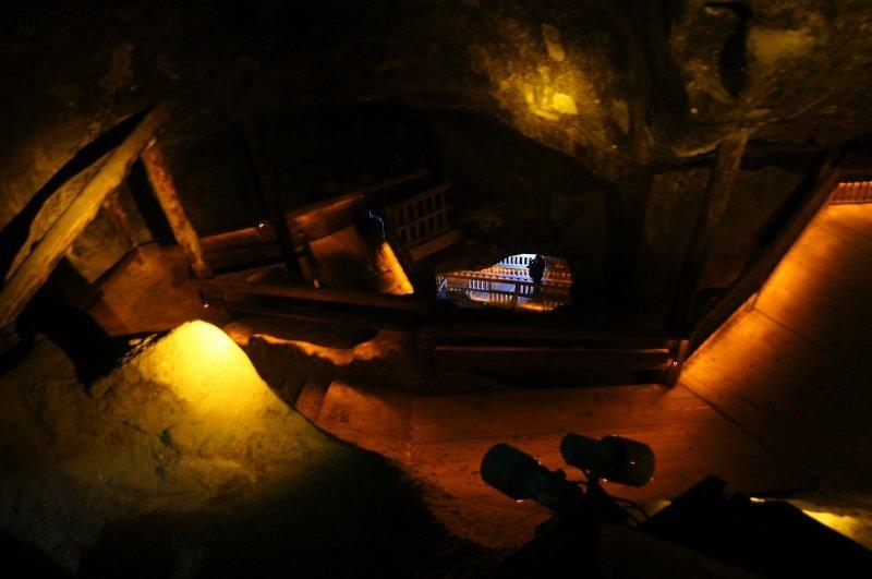 10 неожиданных вещей, которые можно найти в пещерах