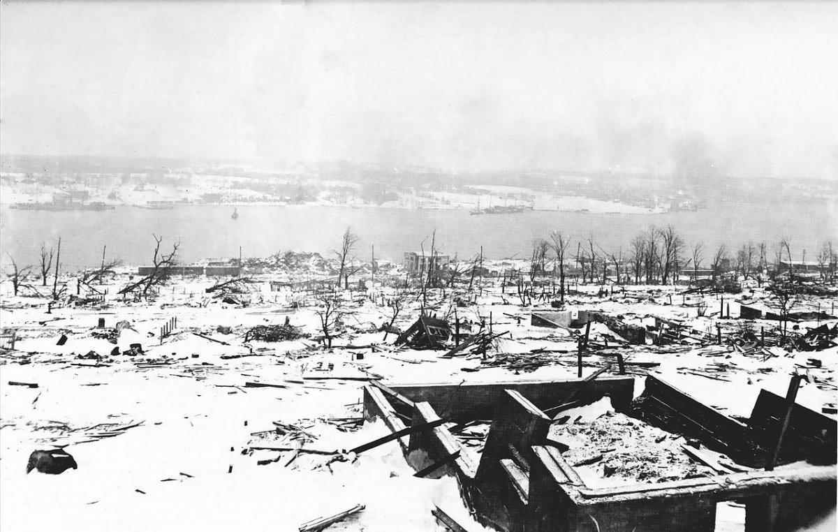 Катастрофический взрыв, или как пароход погубил город