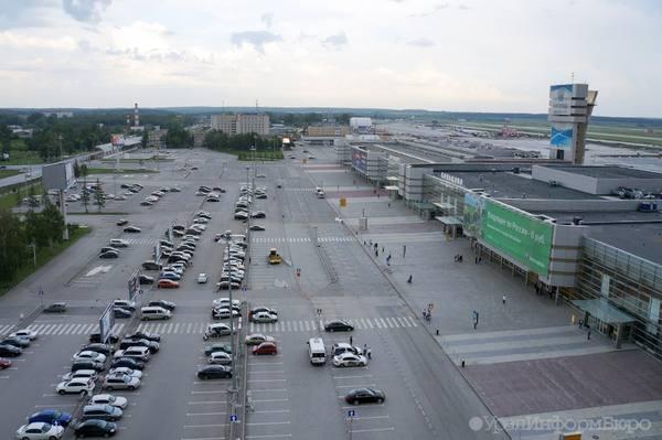 На парковке перед аэропортом Кольцово нашли труп