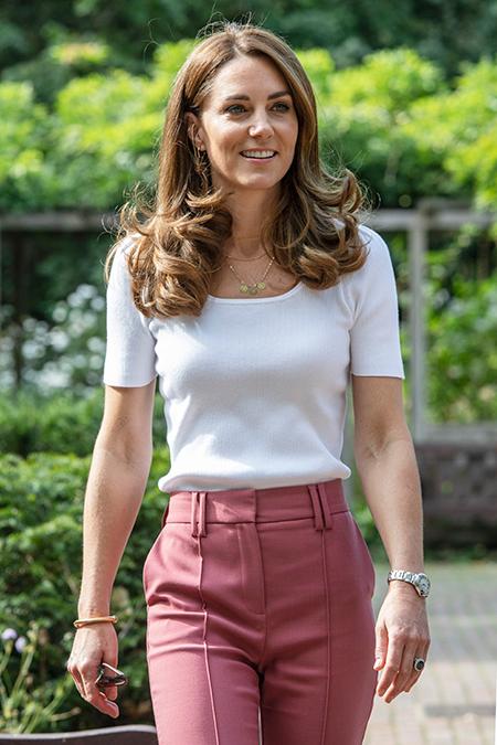 Кейт Миддлтон представила особенное украшение в честь своих детей Монархи,Британские монархи