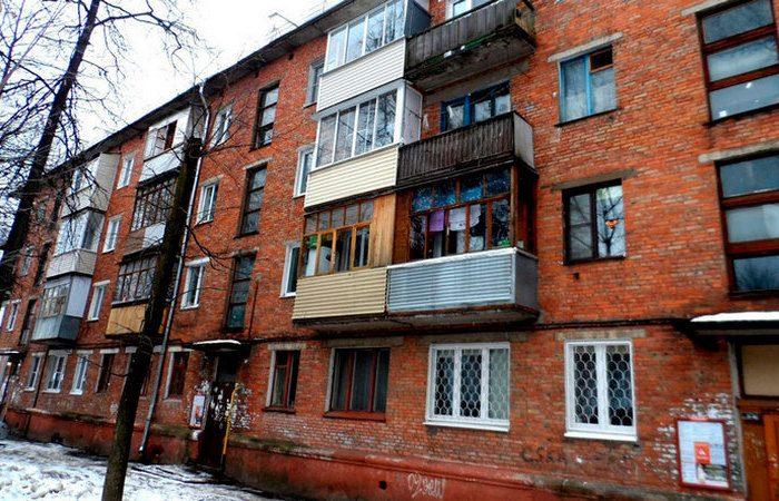 Почему в хрущевках нет балконов на 1-х этажах?