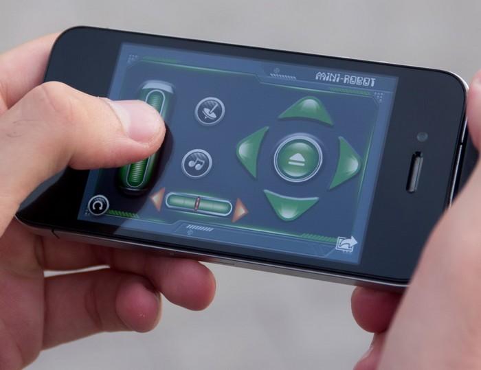 iPhone Controlled Bug – робот-шпион в виде таракана