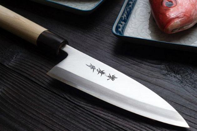 Как заточить нож простой газетой