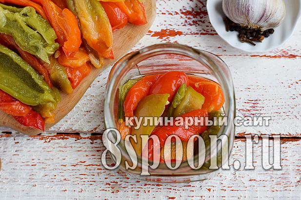 Печеный перец на зиму с чесноком и зеленью