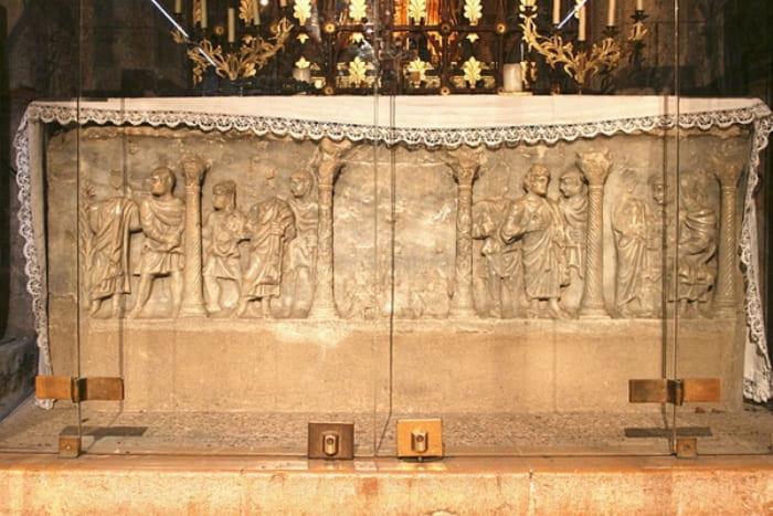 Саркофаг Марии Магдалины в Сен-Максимен-ла-Сент-Бом | Фото: polit.ru