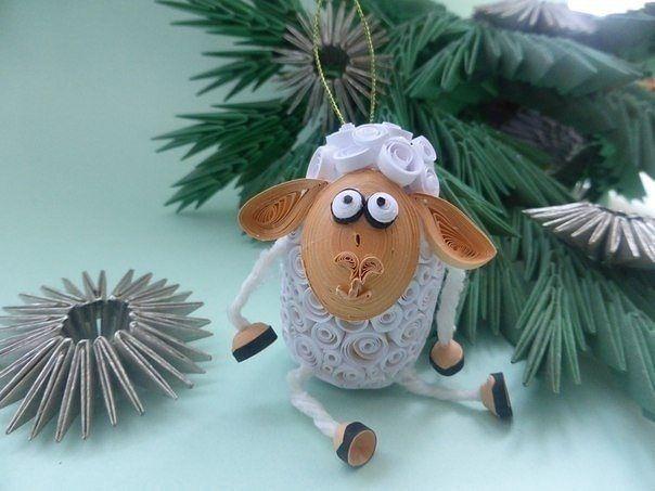 Новогодняя овечка в технике квиллинг