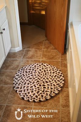 Необычный коврик из махровых…